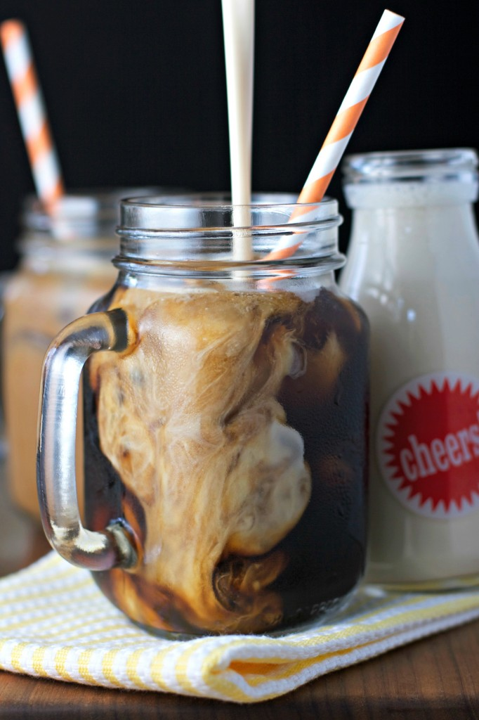 Amaretto Coffee Creamer ~vegan~ 4 ingredient coffee creamer, so simple to make!