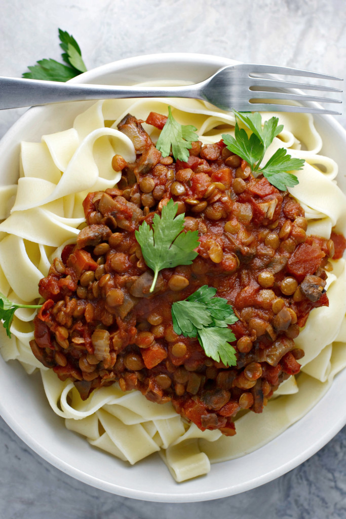 Crock pot lentil bolognese vegan beginwithin nutrition for Crock pot vegetarian recipes healthy