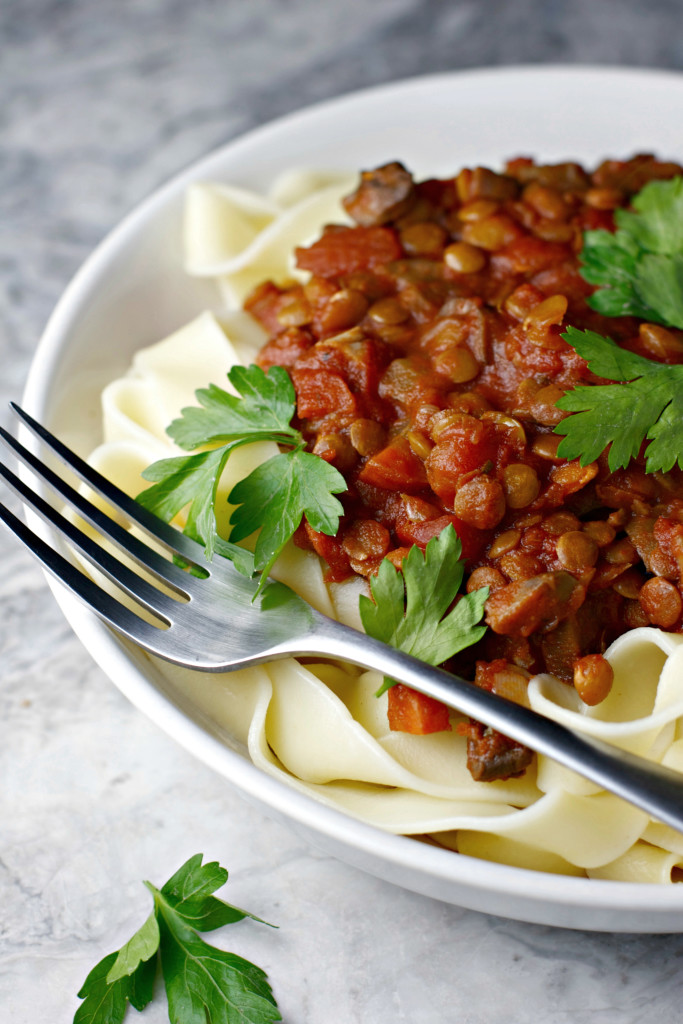 Crockpot Lentil Bolognese ~vegan~ A simple and healthy weeknight meal!