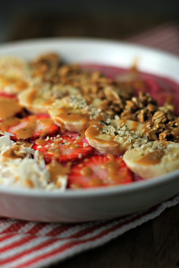 Banana Berry Superfood Smoothie Bowl, a beautiful bowl of flavor!
