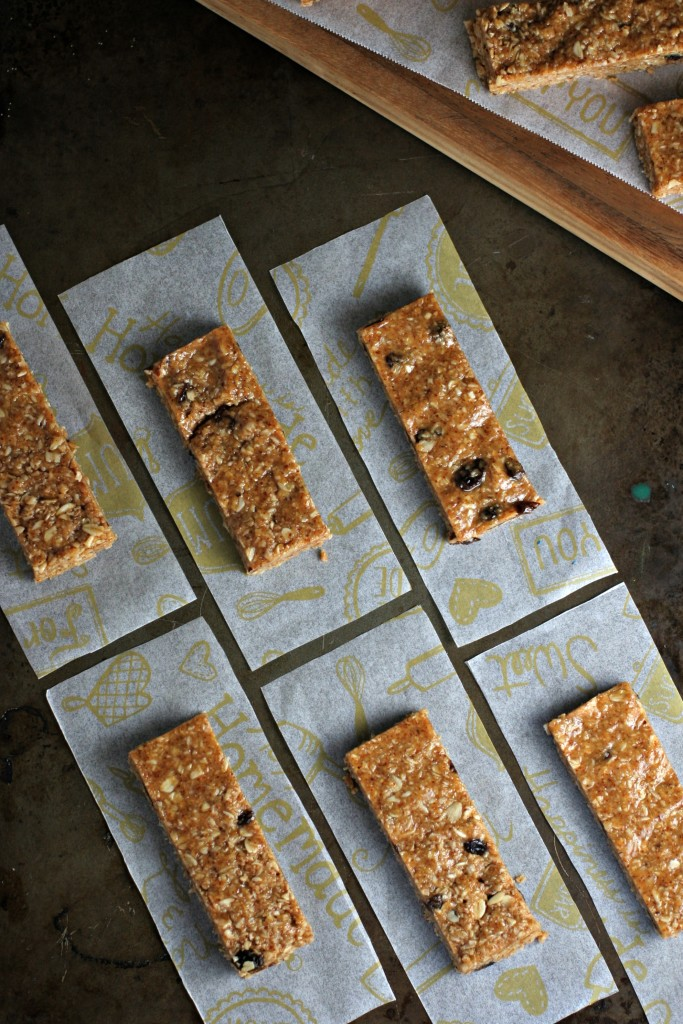 No-Bake Cinnamon Raisin Almond Butter Oat Bars. A vegan, gluten free and allergen friendly after-school snack!
